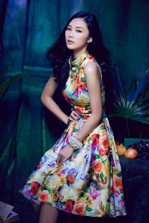 Hot girl Việt gợi cảm cùng cỏ hoa - 4