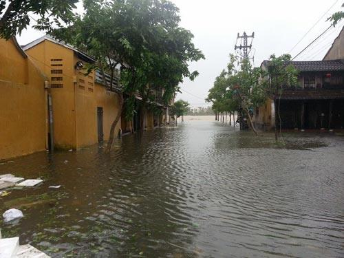 Quảng Nam: 6 người chết và mất tích do bão - 1