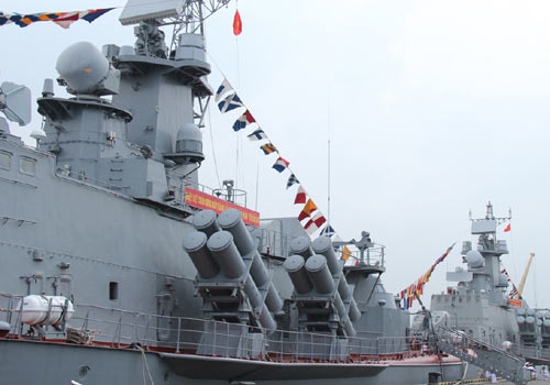 Cận cảnh tàu Pháo-Tên lửa vừa ra mắt của VN - 2