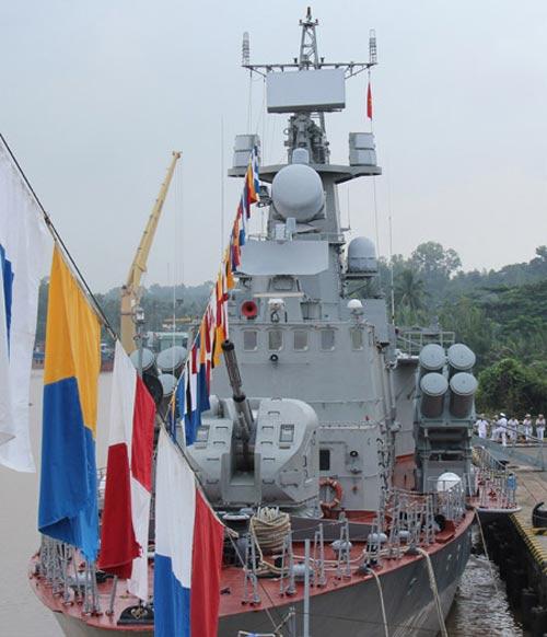 Cận cảnh tàu Pháo-Tên lửa vừa ra mắt của VN - 5