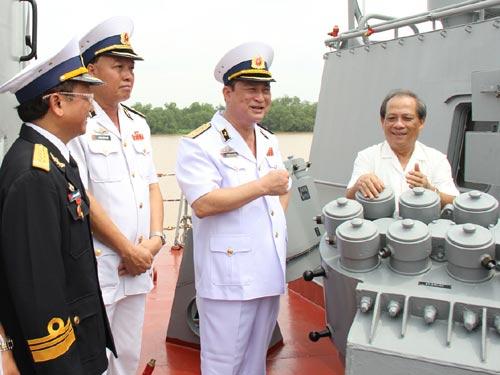 Cận cảnh tàu Pháo-Tên lửa vừa ra mắt của VN - 6