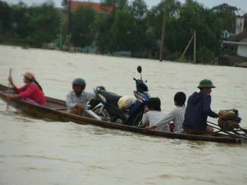 Thừa Thiên - Huế đối diện với trận lũ lịch sử - 4