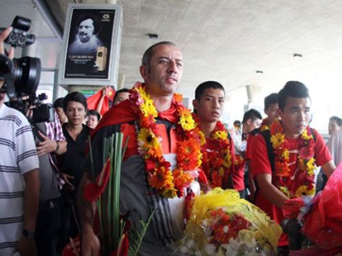 Bóng đá Việt Nam: Làm gì để hết cảnh bé hay, lớn dở - 1