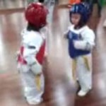 Thể thao - Cười đau ruột với trận đấu Taekwondo nhí