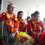 Bóng đá - Bóng đá Việt Nam: Làm gì để hết cảnh bé hay, lớn dở