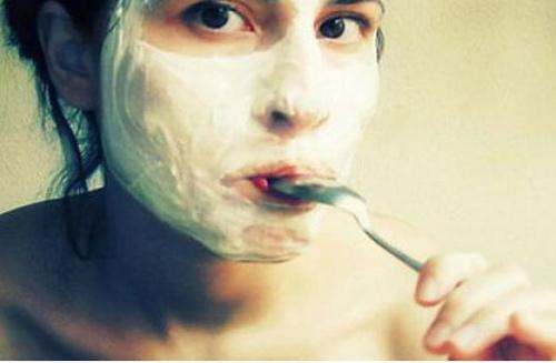 Làm mặt nạ trắng da từ sữa chua - 3