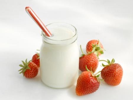 Làm mặt nạ trắng da từ sữa chua - 2
