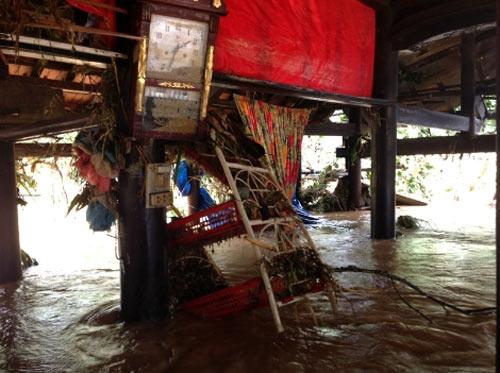 Bão, lũ lịch sử quần nát Quảng Bình - 7