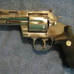 An ninh Xã hội - Nửa đêm, cầm súng tới nhà, bắn chết người yêu