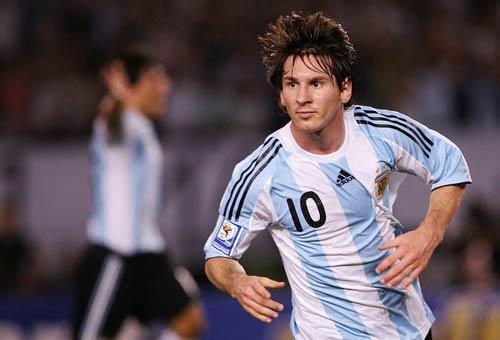 Khi người Argentina ghét Messi,  yêu Tevez - 1