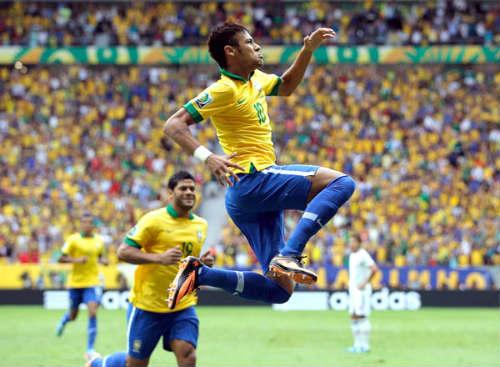"""Romario: """"Neymar chưa thể so sánh với tôi"""" - 1"""