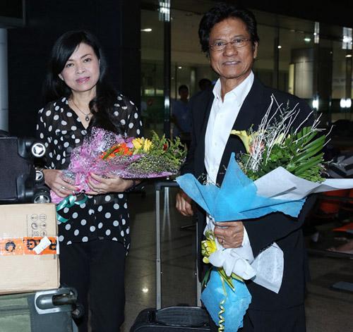Chế Linh và vợ về nước làm tour xuyên Việt - 3