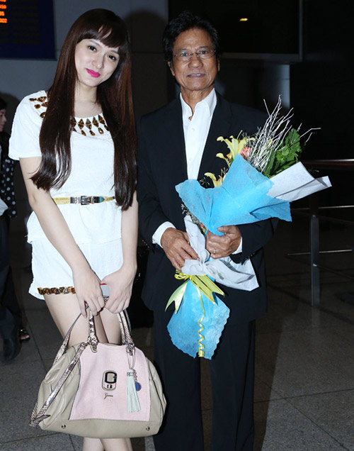 Chế Linh và vợ về nước làm tour xuyên Việt - 7