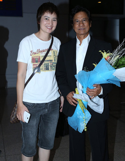 Chế Linh và vợ về nước làm tour xuyên Việt - 6
