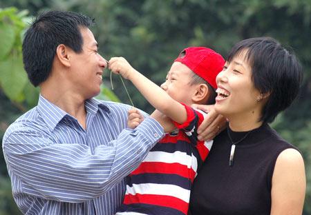Khuyến cáo bỏ quy định vợ chồng chỉ có hai con - 1