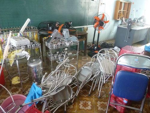 Đà Nẵng: Nhiều trường tan hoang sau bão số 11 - 8