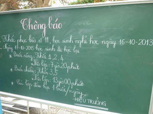 Đà Nẵng: Nhiều trường tan hoang sau bão số 11 - 13