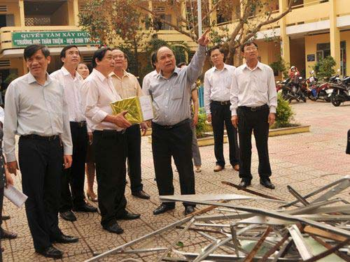 Đà Nẵng: Nhiều trường tan hoang sau bão số 11 - 3