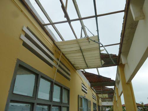 Đà Nẵng: Nhiều trường tan hoang sau bão số 11 - 4