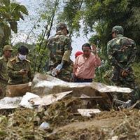 Tai nạn máy bay ở Lào: Thi thể văng xa 20 km