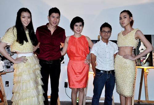 Kim Hiền mặc váy kết từ nghìn bao cao su - 13