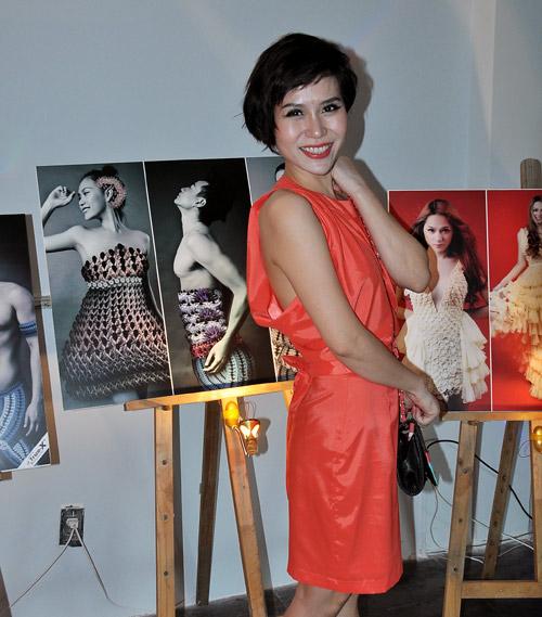 Kim Hiền mặc váy kết từ nghìn bao cao su - 14