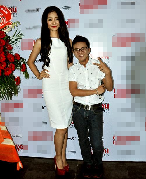 Kim Hiền mặc váy kết từ nghìn bao cao su - 2