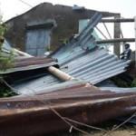 """Tin tức trong ngày - Tan nát ở làng """"Chanchu"""" sau bão số 11"""