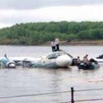 Tin tức trong ngày - Máy bay rơi ở Lào chưa qua kiểm định quốc tế