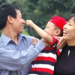 Tin tức trong ngày - Khuyến cáo bỏ quy định vợ chồng chỉ có hai con