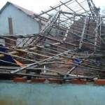 Tin tức trong ngày - Trận lốc xoáy kinh hoàng qua lời kể nạn nhân
