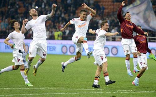 Serie A trước V8: Đại chiến Roma – Napoli - 1