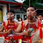 Phi thường - kỳ quặc - Lễ hội ăn chay rùng rợn tại Thái Lan