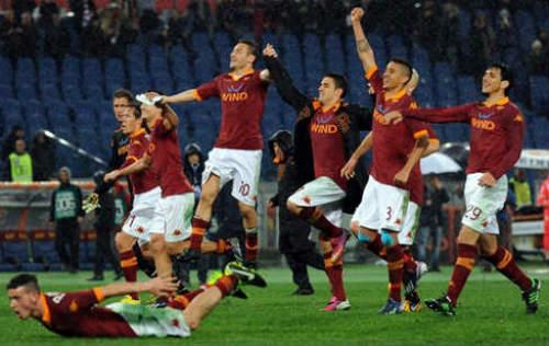 Roma - Napoli: Thắng làm vua - 1