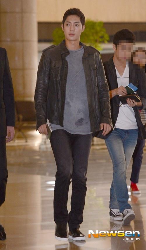 Kim Hyun Joong đi Nhật cùng Bae Yong Joon - 3