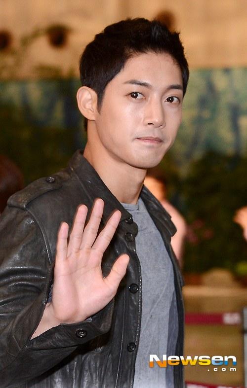 Kim Hyun Joong đi Nhật cùng Bae Yong Joon - 4