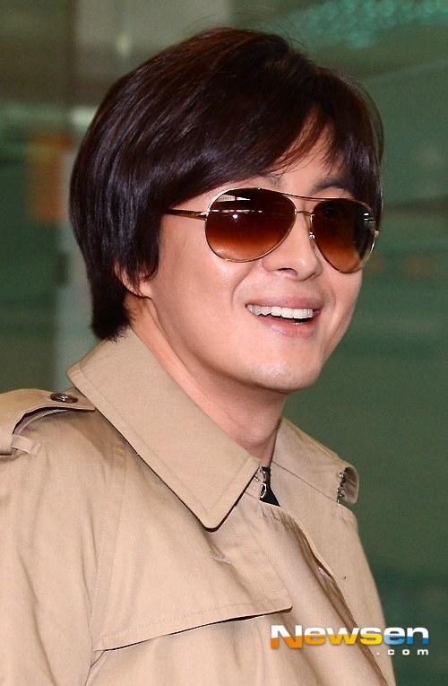 Kim Hyun Joong đi Nhật cùng Bae Yong Joon - 7