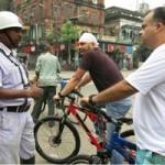 Phi thường - kỳ quặc - Cấm đi xe đạp để tránh tắc đường