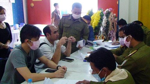 Máy bay rơi ở Lào: Khám nghiệm thi thể nạn nhân - 6