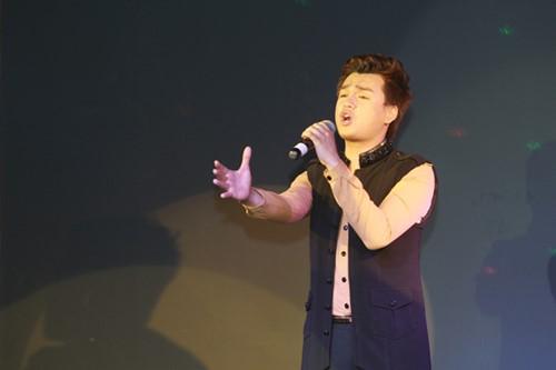 Minh Chuyên hát ca khúc về bão Nari - 8