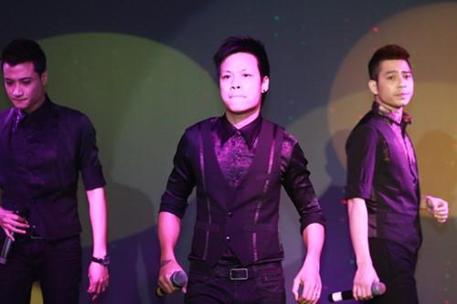Minh Chuyên hát ca khúc về bão Nari - 9