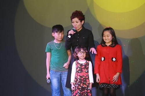 Minh Chuyên hát ca khúc về bão Nari - 10