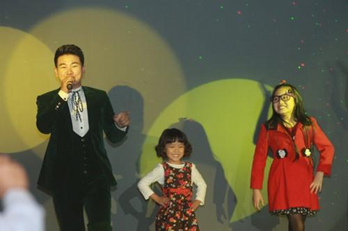 Minh Chuyên hát ca khúc về bão Nari - 14