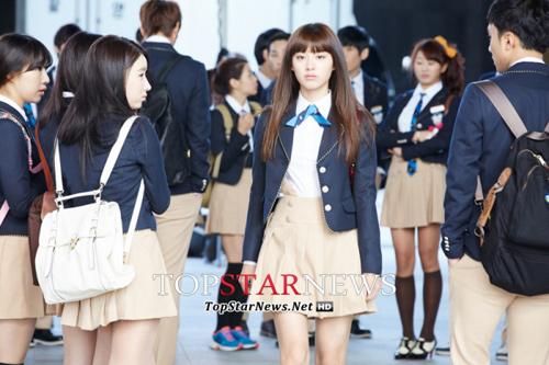 Lee Min Ho hóa nam sinh cấp 3 - 7