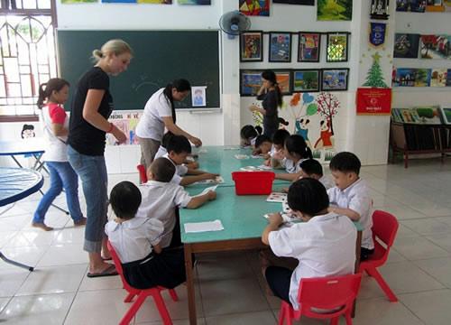 Cô sinh viên Mỹ và tình yêu trẻ Việt - 1