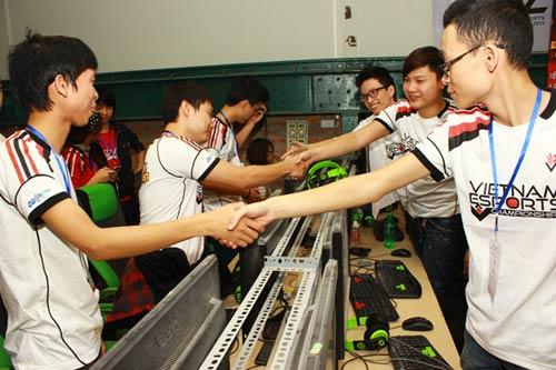 CKKV VEC Hà Nội: Màn cân não dai dẳng giữa Freedom và Doping - 6