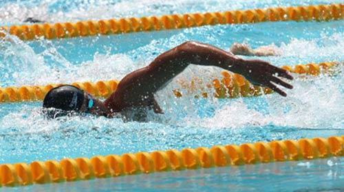 VĐV bơi lội Mỹ chết trong khi thi đấu - 1