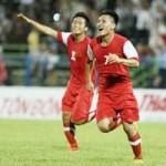 Bóng đá - Vấn đề của bóng đá Việt Nam: Chưa tài đã tật