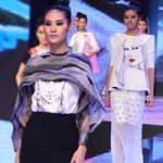 Thời trang - Họa tiết mặt người trong thời trang Việt