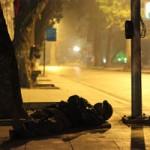 An ninh Xã hội - Mất xe máy vì ngủ quên bên vệ đường